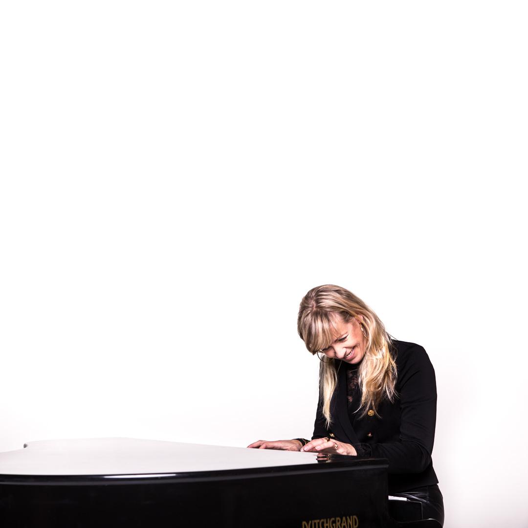 Promotiefoto's, Perskit, persmap, website fotografie,Marsha Steltenpool,piano, zangeres,pianiste,